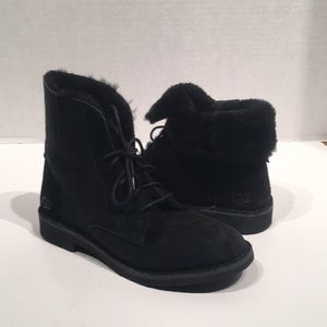 Ugg Quincy Black Suede Lace-up Winter Boot